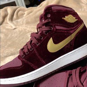 Jordan Shoes - Maroon / Gold Jordan's